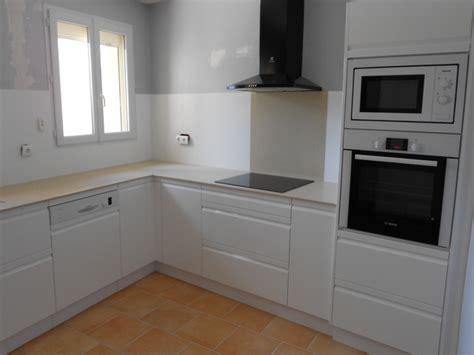 cuisine 駲uip馥 blanc laqu馥 cuisines modernes laqu 233 blanc plan et cr 233 dence