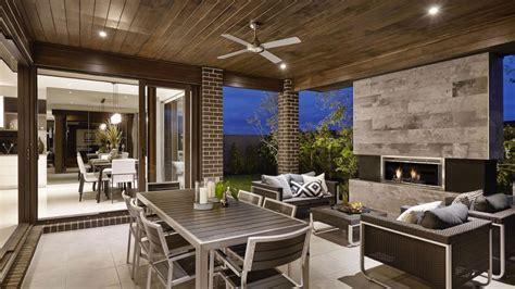 dise 241 o de terraza de listones de madera en forma de cubo casa de dos pisos moderna fachada y dise 241 o de interiores