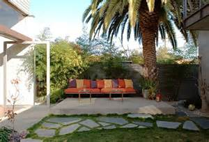 Landscaping Backyard Ideas Inexpensive Inexpensive Landscaping Ideas To Beautify Your Yard Freshome