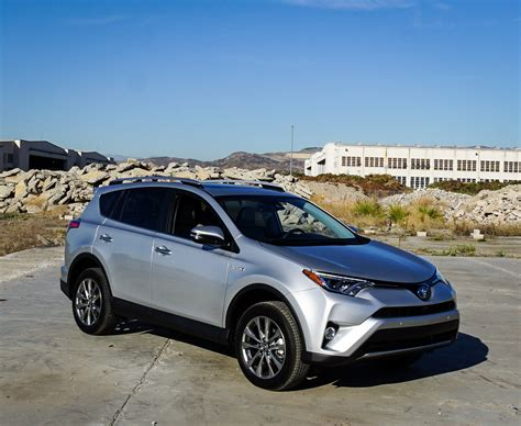 Toyota Se Drive Review 2016 Toyota Rav4 Hybrid And Rav4 Se