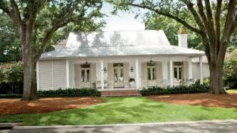 Clasic Colonial Homes by Choosing Exterior Paint Colors Youtube