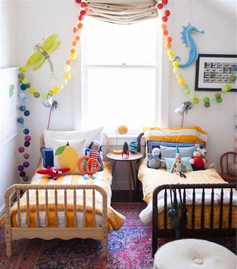 ideas for small kids bedrooms 25 best ideas about shared kids rooms on pinterest