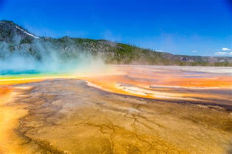 earthquake yellowstone another round of earthquakes reported at yellowstone