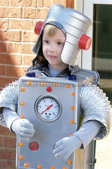 Hako Robo Robots Cubes And Families by Robot Costume Family Crafts