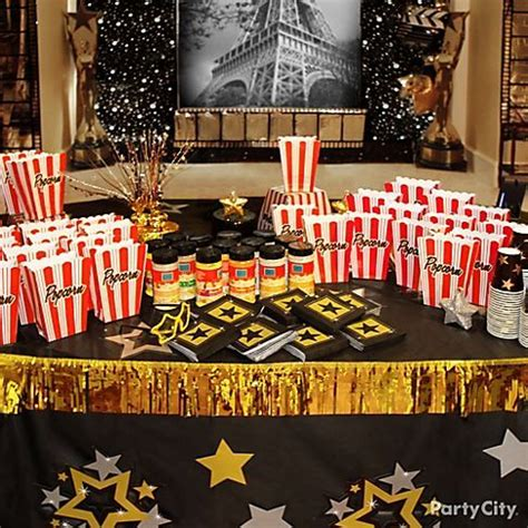 25 best ideas about hollywood theme bedrooms on pinterest hollywood bedroom movie themed dining room 153 best party theme 40s hollywood glamour