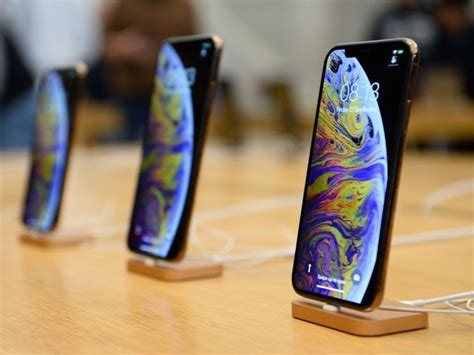 kuo apple  launch  iphones   support