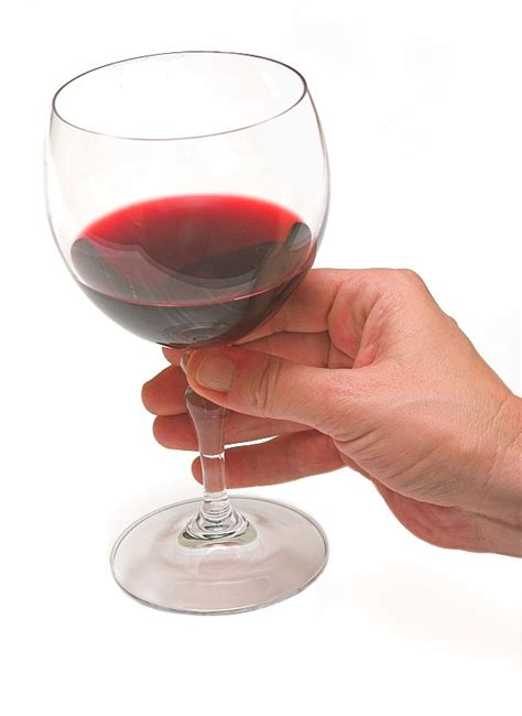 tips for holding a wine glass tall horse wines