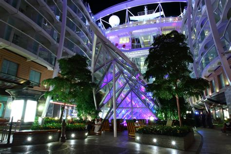 Oasis Of The Seas Floor Plan by Jim Zim S Allure Of The Seas Cruise Review