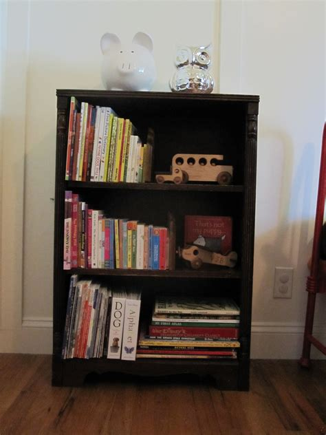 small bookshelf for decor and book organization