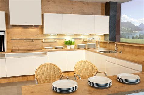 Moderne Badezimmer Beleuchtung 821 by Kuchyňa Granada Dank 220 Chen Luxdan Sk
