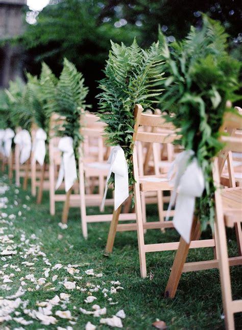 fern decor decorating weddings with lush green fern decozilla