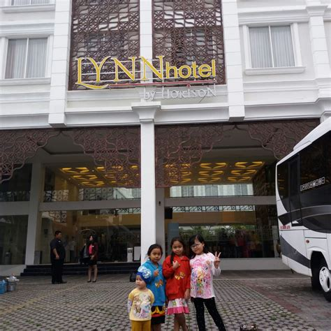 lynn hotel yogyakarta iyoth world