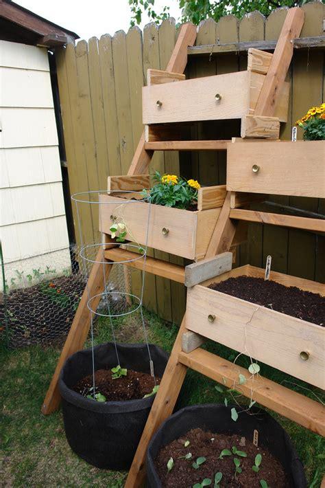 10 Truly Easy Yet Innovative Diy Garden Furniture Ideas Diy Vertical Vegetable Garden