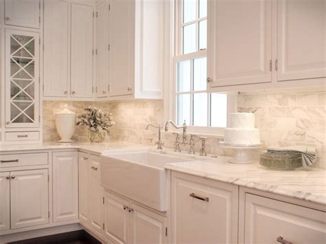 white kitchen with backsplash 25 best ideas about white kitchen backsplash on