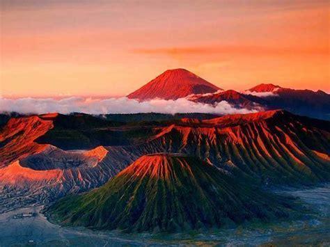 volcano bromo trekking study  bali