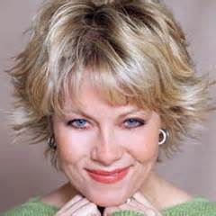barbara niven s haircut modern flippy short hairstyles with layered hair for women