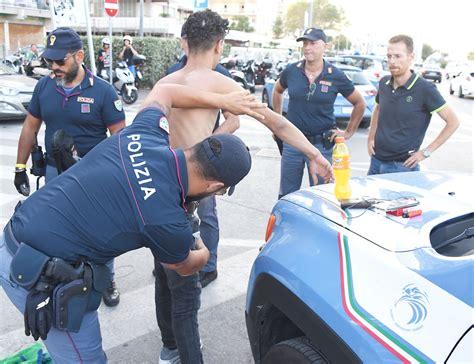 permesso di soggiorno motivi umanitari roma lo stupratore bengalese come butungu ha un permesso
