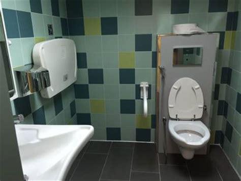 bagni pubblici a pagamento giubileo aperti 8 bagni pubblici in centro al costo di un