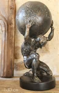 atlas portant le monde l 233 gende du titan mythologie