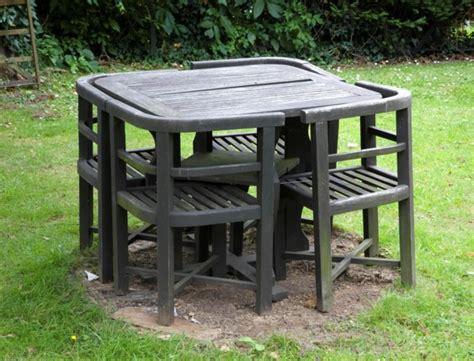 Comment Nettoyer Une Table De Salon De Jardin En Teck