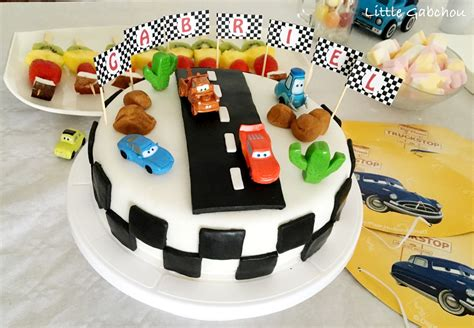 Table Design by Cake Design G 226 Teau D Anniversaire Sur Le Th 232 Me De Cars