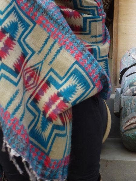 Himalayan Handmades - wholesale ethnic himalayan shawls himalayan handmades