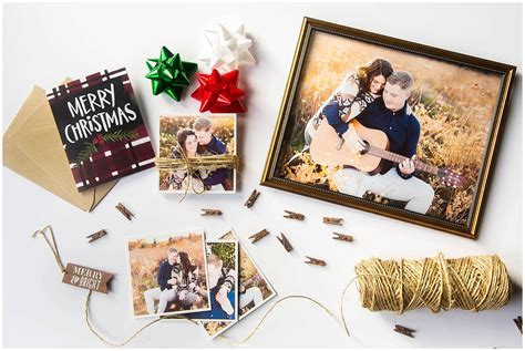 Turn your Engagement Photos into the Best Christmas Gift