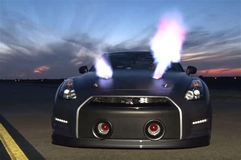 Schnellste Auto Der Welt 2015 Youtube by Nissan Gt R Mit 252 Ber 2 200 Ps Neuer Rekord Mit 379 Km H