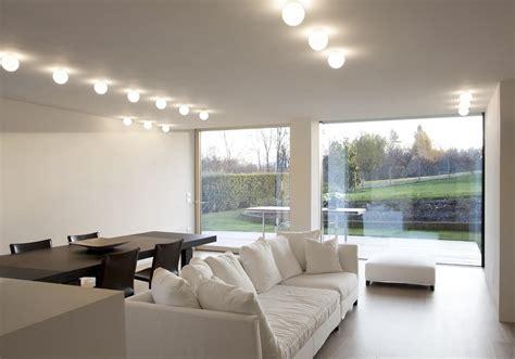 come illuminare il soggiorno illuminazione soggiorno con plafoniera led 2 brillamenti