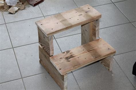 Pallet Step Stool by Pallet Step Stool Pallet Ideas