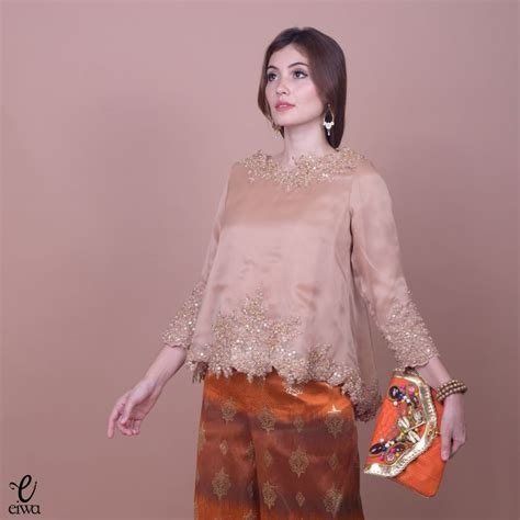 Blouse Atasan Top Valonia 17 best ideas about kebaya brokat on kebaya kebaya muslim and batik dress