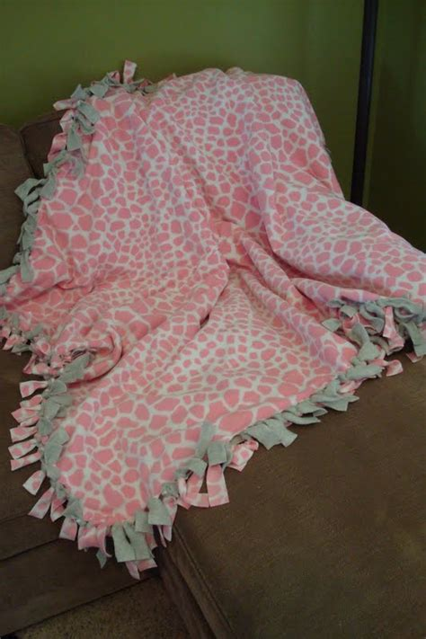 How To Tie Blankets by Craptastic Hi My Name Is I M A Blanket Aholic