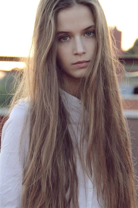 gorgeous long blonde hair very long blonde hair hair colors ideas