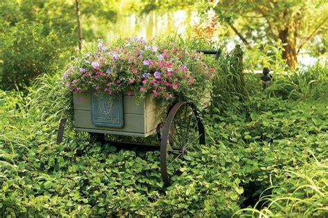 decorare il giardino decorare il giardino in modo creativo 20 idee