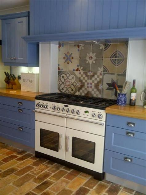 spanish tile kitchen backsplash spanish tiles