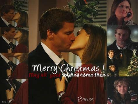 christmas kiss wallpaper christmas kiss booth and bones wallpaper 5800103 fanpop
