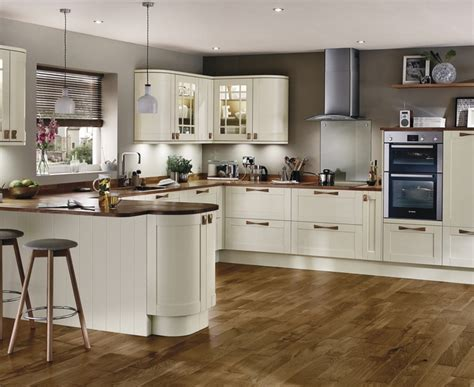 howdens kitchen cabinets tewkesbury antique white kitchen shaker kitchens