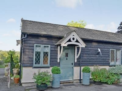 Orchard Cottage Rochester by Tunbridge Cottages To Rent Cottages Co