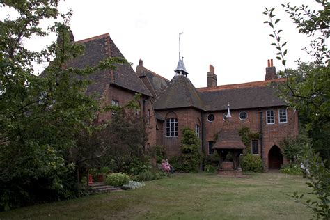 The Redd House by File House Home Of William Morris 1 Jpg Wikimedia