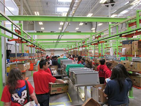 Houston Food Pantries by Why Yes Prep Students Observe 9 11 By Volunteering At Houston Food Bank Houston Media