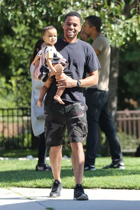 michael ealy children handsome michael ealy pictured with his family at the park
