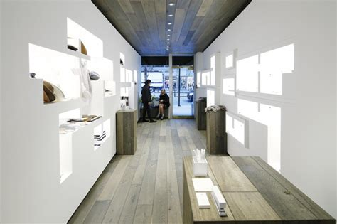 Corian Store Walls Of Sculpted White Corian Fill The Lj Cross Store In