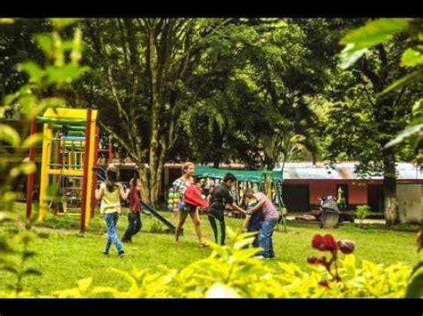 imagenes de niños jugando en un parque ni 241 os jugando en el parque de villa restrepo youtube