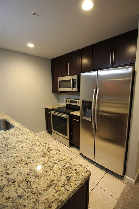one bedroom apartments in akron ohio canal square apartments rentals akron oh apartments com