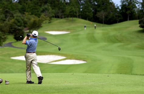 swinging japan golf s slide in japan sees course owners taking a swing at