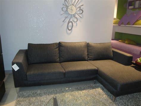 divani sconti divani con penisola in tessuto sfoderabili divani a