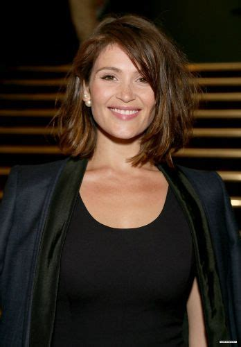 brunette hairstyles wiyh swept away bangs 23 date night bob hair date night hairstyles for short