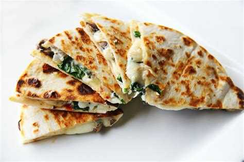 protein quesadilla low carb chipotle and spinach quesadilla