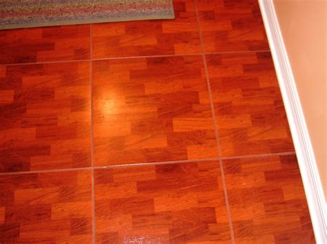 best way to clean laminate wood floors without streaking