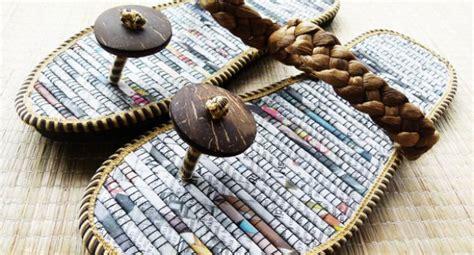 ls made from recycled materials oficina de artesanato na indon 233 sia ensina a produzir